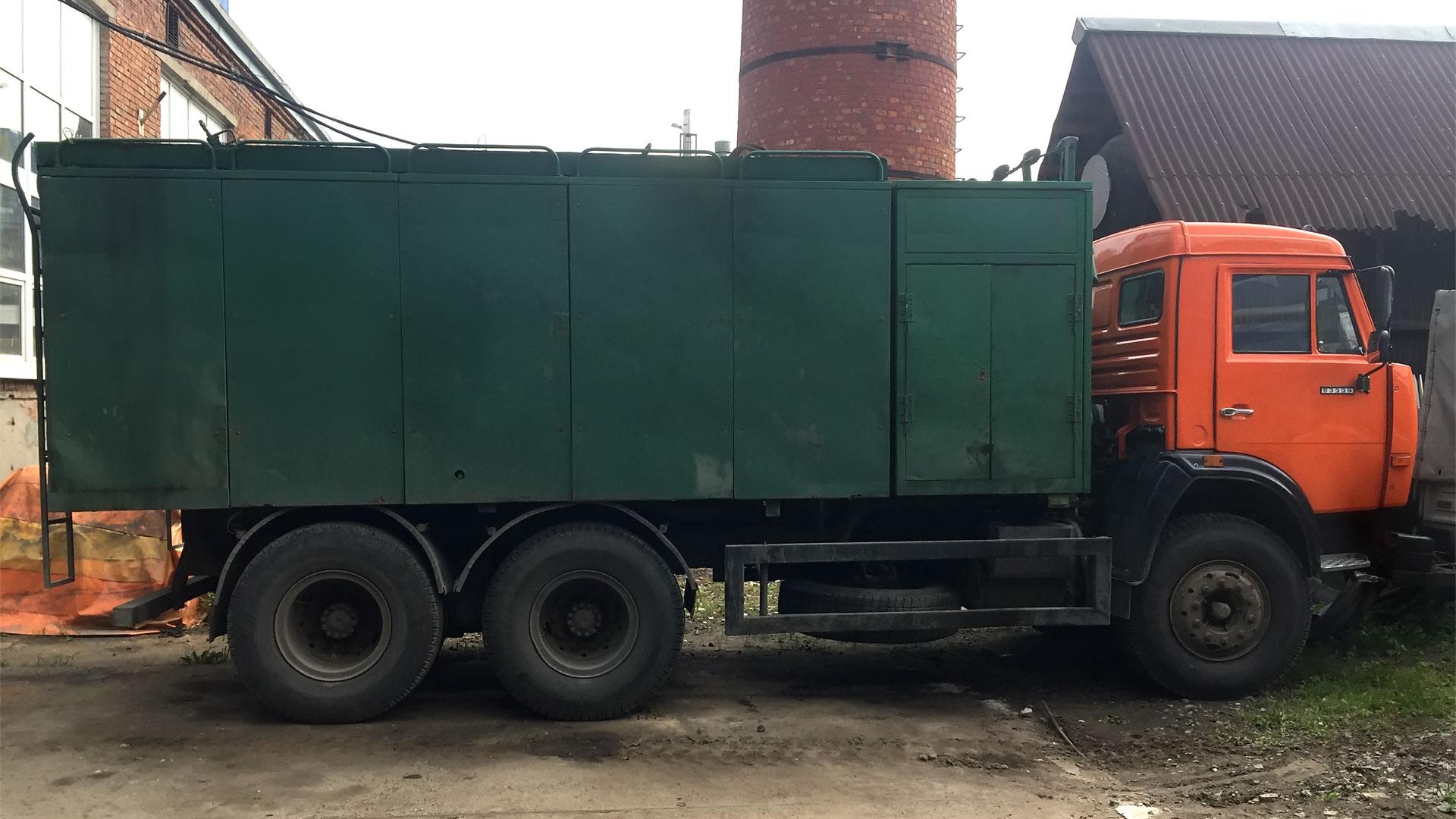 Илососная машина комбинированная каналоочистительная КО-564 на базе шасси КАМАЗ-53229-15